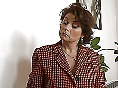 Vporn Movie:Roberta - mature Italian-Engli...