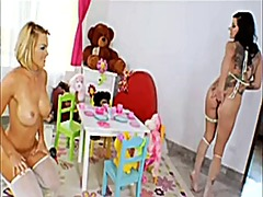 Xhamster Movie:2 nasty sluts take on a big dick