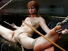 Blondie must crawl through a dungeon