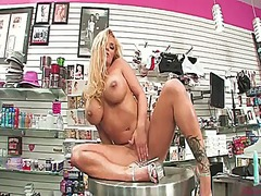 Hotshame Movie:Shyla stylez with huge tits an...