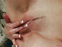 Wetplace Movie:Ariel is curious about posing ...
