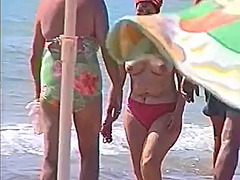 See: Candid beach compilation