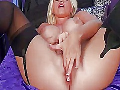 Chloe dee with juicy b...