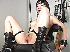 Blonde mistress toys her asian slavegirl i...
