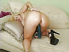 blondi preggo plays naughty