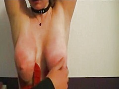 Private Home Clips Movie:Torturing her big bouncing bre...
