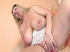 Chunky stripper wife - Xhamster