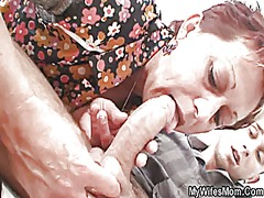 Old mom seduces her da...