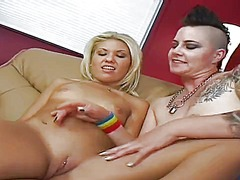 WinPorn Movie:Freaky punk babe with lots of ...