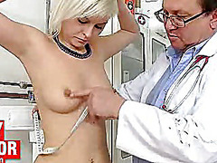 H2porn Movie:Two hot czech girls visit kink...