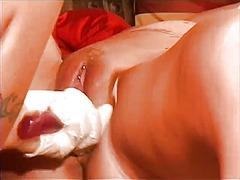 Thumb: Sexy blonde babe gets ...