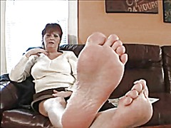 Dominant dixie dame shows off her big...