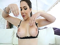 Hotshame Movie:Valentina nappi is good on her...