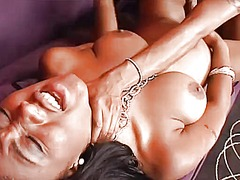 Sexy ebony lesbians give each other a nice tongue lashing and pussy toying