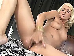 See: Jana cova cant stop to...