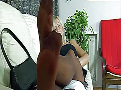 WinPorn Movie:Sexy blonde babe in nylon stoc...