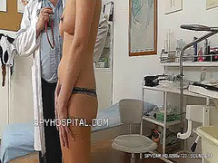 Sporty girl get spyied in medical centre