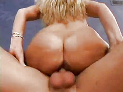Insatiable blonde cougar with huge bo...