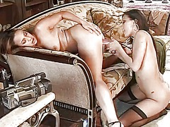 Lesbians with curves f...