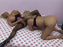 WinPorn Movie:Stacked blonde babe with round...