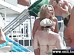 Crazy chicks at public nude event