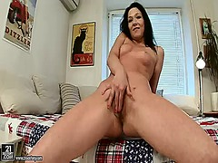 Hotshame - Anne angel cant stop d...
