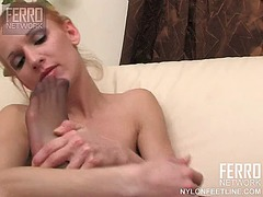 WinPorn Movie:Lovely vixen with long legs se...