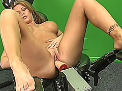 See: Busty blonde spreads h...