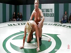 Four bare honeys fight onto tatami and feel each other up