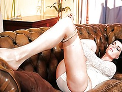 IcePorn Movie:Shocking brunette in sexy pant...