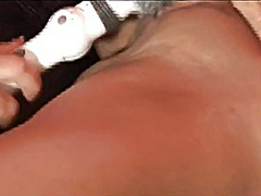 Two brunettes who cant... - H2porn