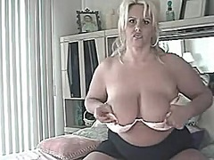 Private Home Clips Movie:Golden-Haired Aged Mom With La...