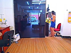 Private Home Clips Movie:Brunette Hair Camming at Work