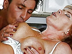 Sharing a mature - Xhamster
