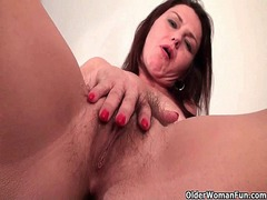 Furry moms fill their ... - Xhamster