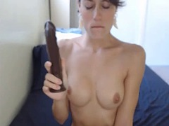 Hot short haired babe masturbating