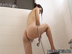 See: Solo asian babe toys a...