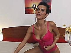 Private Home Clips Movie:Delightful Simonne in pink