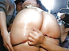 Sexy asian ladies on t...