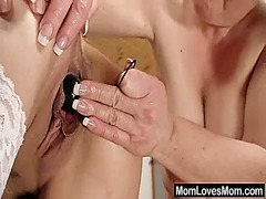 Cougar loves amateurmom in... - 05:54