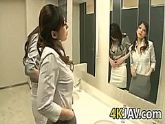 IcePorn Movie:Japanese lesbians and a strapon