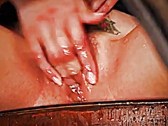 Asian discreetly squir... - Keez Movies