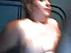 Big girl plays on cam - Xhamster