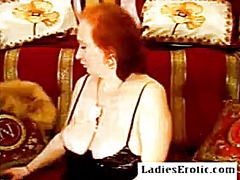 Granny and her performance on webcam ...
