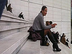 Hawt woman in darksome hose sit on stairs