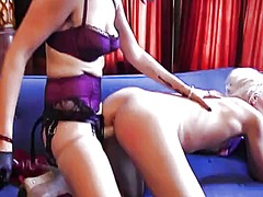 Sadie lune uses a stra... video
