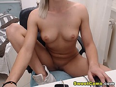 Ah-Me Movie:Euro blonde hottie fingers her...