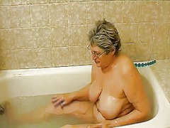 Ah-Me Movie:Granny masturbate herself with...