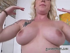 Blonde girl chanel shows o... - 05:00