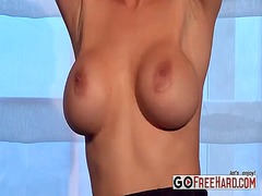 See: Blonde babe gets rid o...